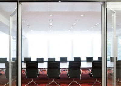 DLAPiper_boardroom_05